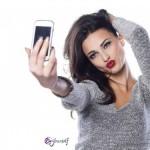 La moda de los selfies dispara la demanda de retoques estéticos entre los jóvenes
